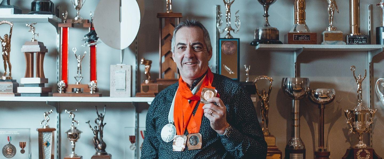 Gaétan Boucher: un champion olympique actif malgré son arthrose du genou