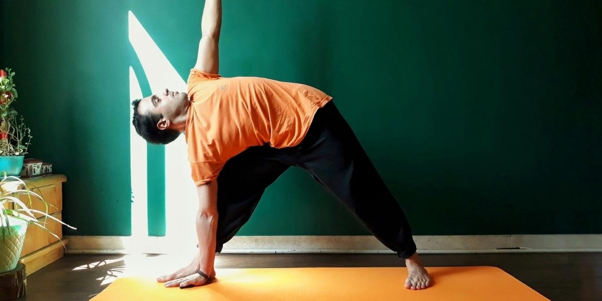 Article_5-sports-reduisent-sensation-jambes-lourdes_yoga