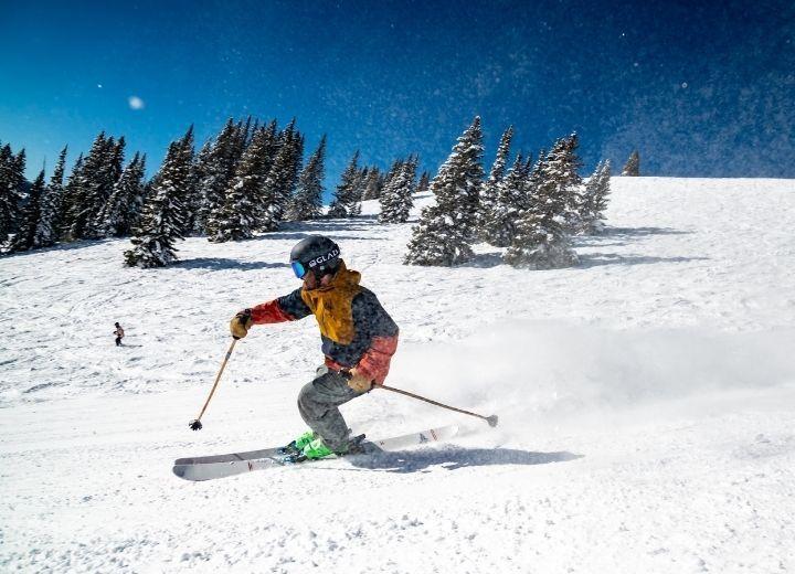 5 montagnes de ski à essayer cet hiver