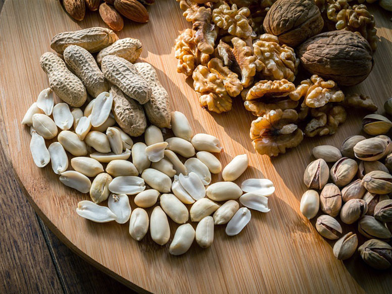 noix-arachides-gluten-omega-3-inflammation-articulation